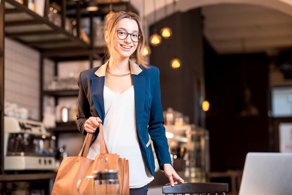 Бизнес и смарт-кэжуал Как подобрать одежду для похода в ресторан