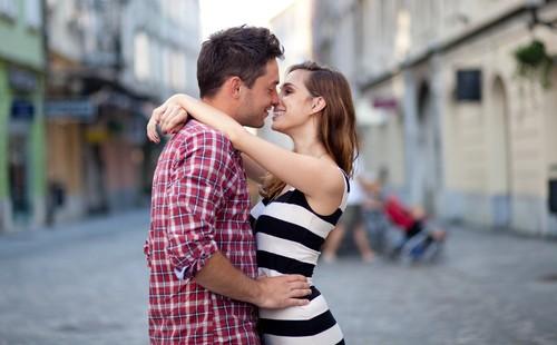 О Чем Думает Мужчина во Время Поцелуя?