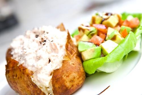 Печеный картофель с сыром чеддер
