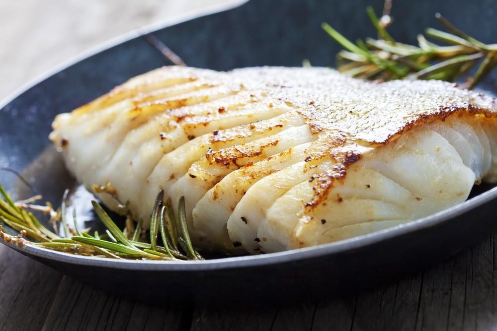 Хотя и полезный тоже, не зря же врачи настоятельно рекомендуют есть блюда из рыбы несколько раз в неделю.