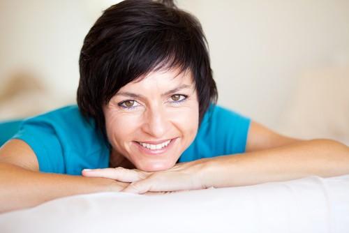 7 Способов Выглядеть Моложе без Помощи Дорогих Косметических Процедур