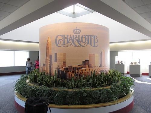 Brookwood Farms, Международный аэропорт Шарлот