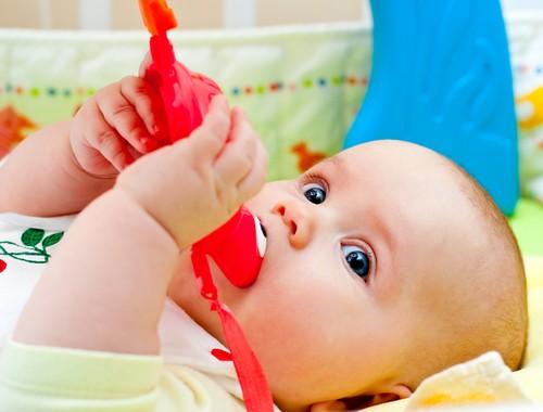 Как Помочь Ребенку, Когда у Него Режутся Зубки?