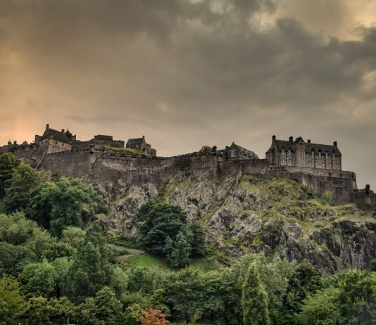 7 замков Шотландии, в которых живут привидения