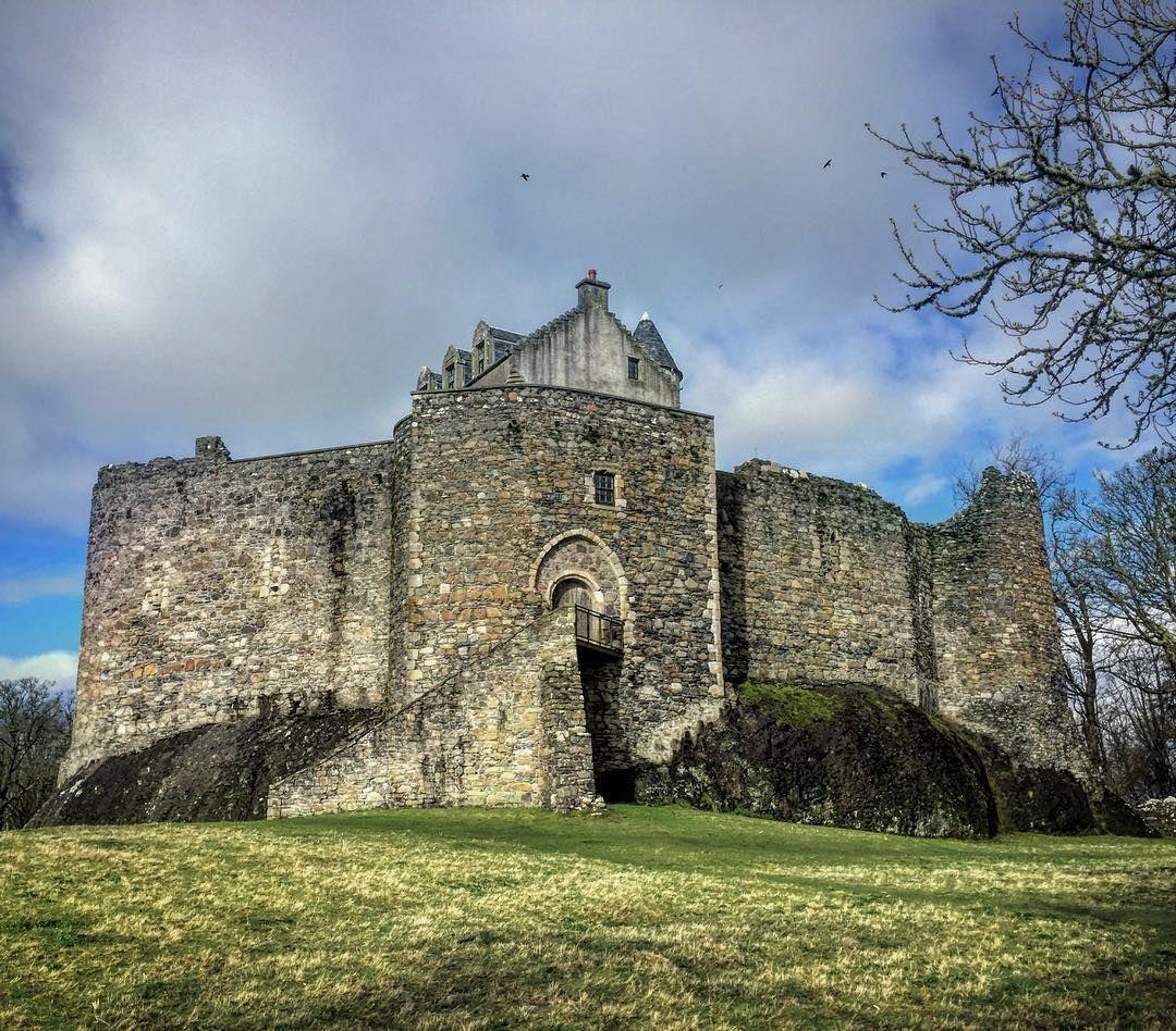 Замок Данстаффнэйдж