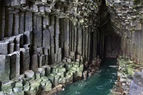 Фингалова пещера (Стаффа, Шотландия)