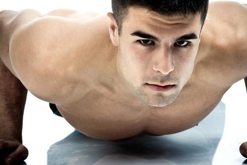 Линия нижней челюсти в мужском теле