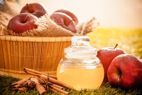 10 Способов Использовать Яблочный Уксус в Косметических Целях