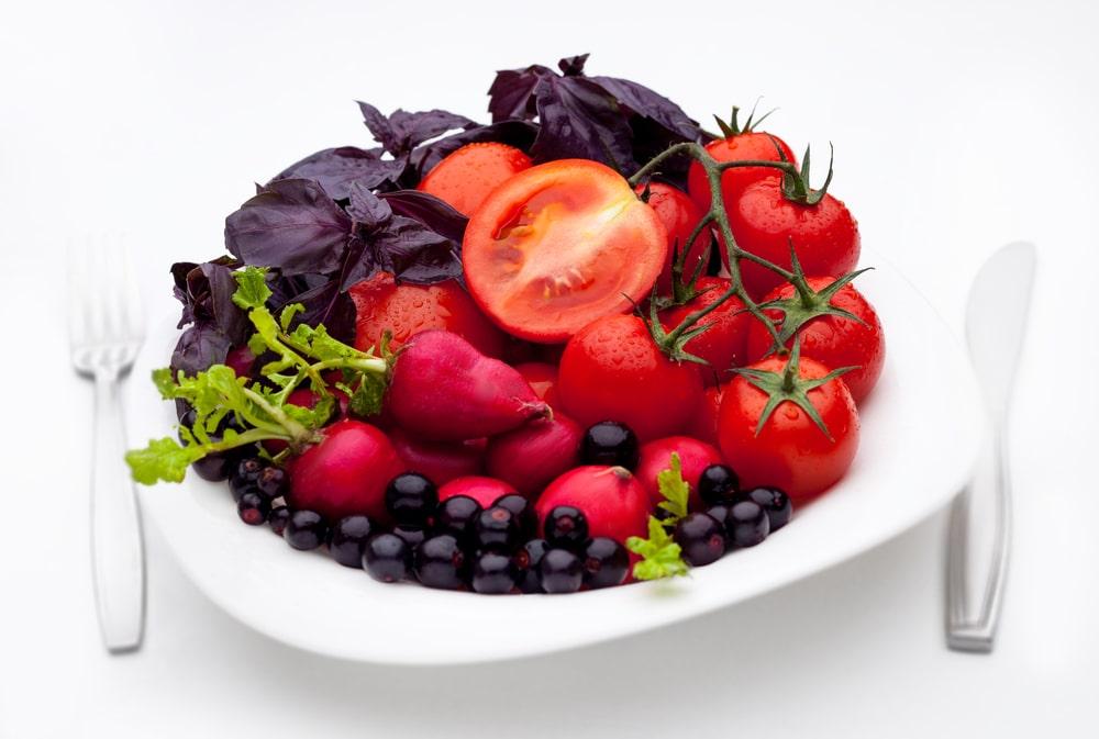 Фрукты и овощи красного цвета