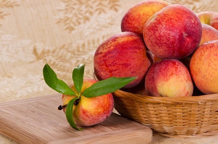 Как правильно выбрать персики?