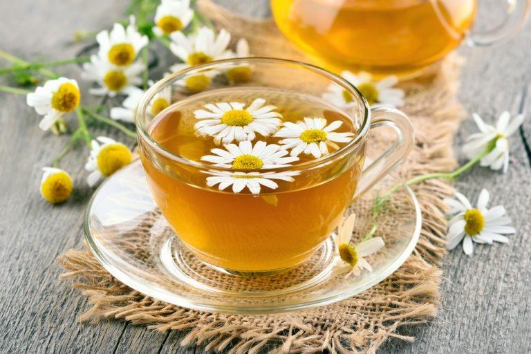 7 полезных свойств ромашкового чая