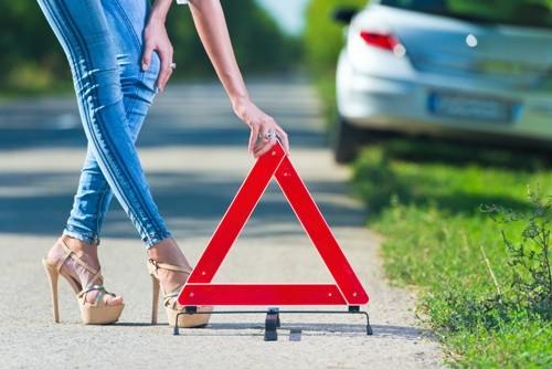 11 Необходимых Вещей для Аварийного Набора в Автомобиль