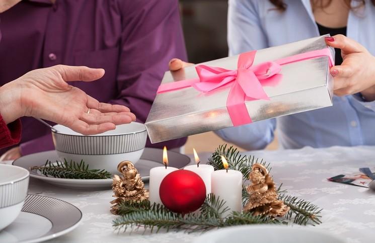 15 Идей Оригинальных Подарков для Мамы на Новый Год
