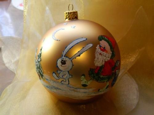 Стеклянный шар для новогодней елки