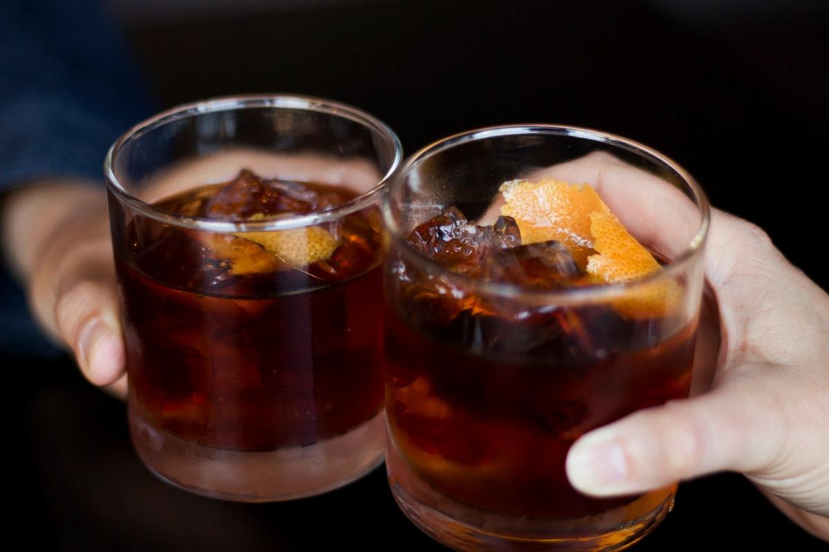 Старомодный виски-коктейль 17 лучших новогодних коктейлей