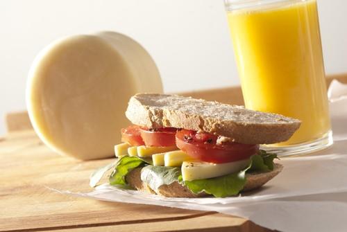 Бутерброды с ветчиной и манго