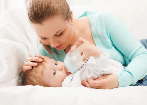 6 Способов Лечения Колик у Новорожденных
