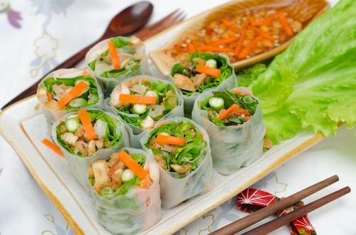 Вьетнамские рулеты со свежей зеленью