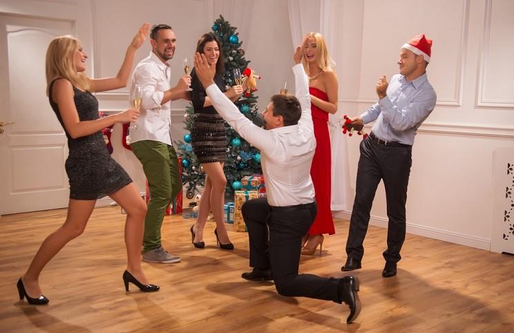 10 Веселых Новогодних Игр для Взрослых
