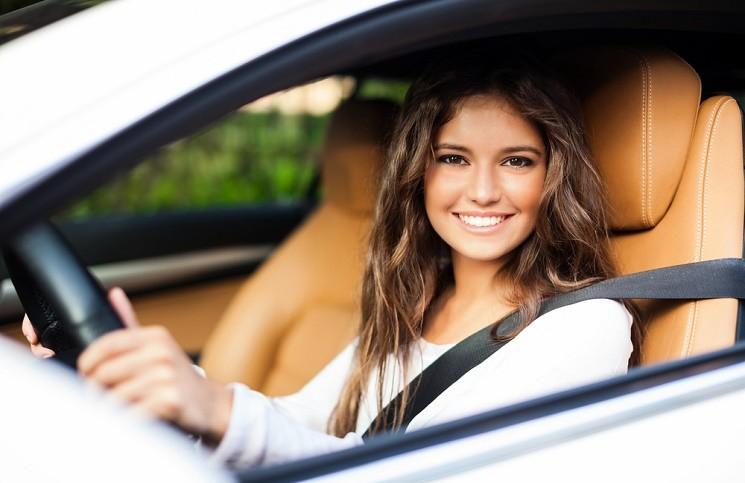 5 Замечательных Подарков для Девушек, которые Любят Автомобили