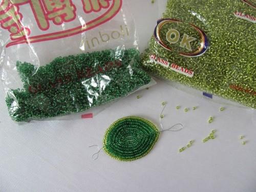 Бисер – зеленых оттенков