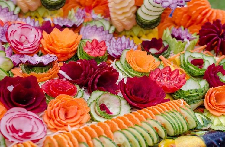 18 декорированных блюд из овощей и фруктов по технике карвинг