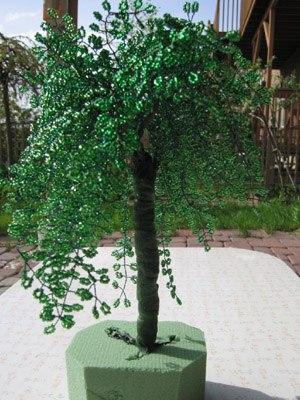 Дерево из бисера Плакучая ива. Часть 1