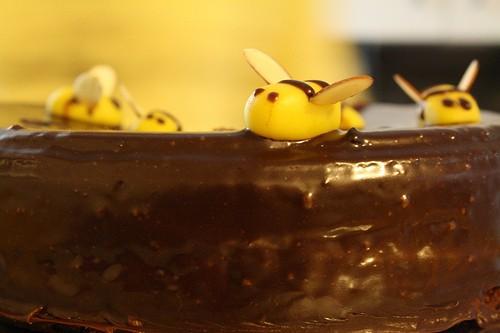 Торт медовый шоколадный