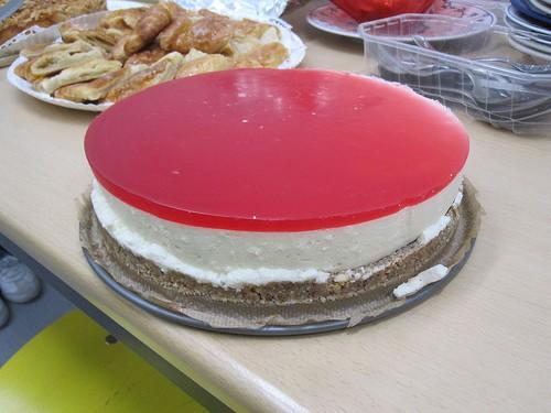 Пирог желейный с брусникой