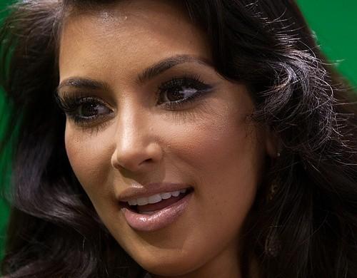 10 советов от Ким Кардашян для эффекта дымчатых глаз