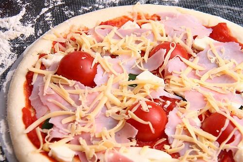 Пицца домашняя для всей семьи