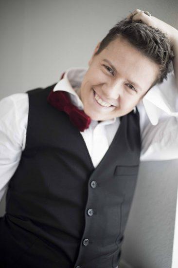 Евгений Литвинкович улыбается