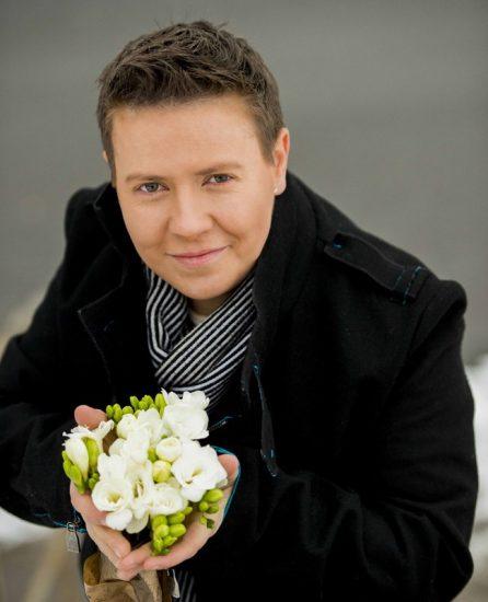 Евгений Литвинкович с цветами