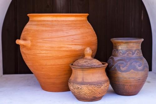 Особенности ухода за глиняной и деревянной посудой