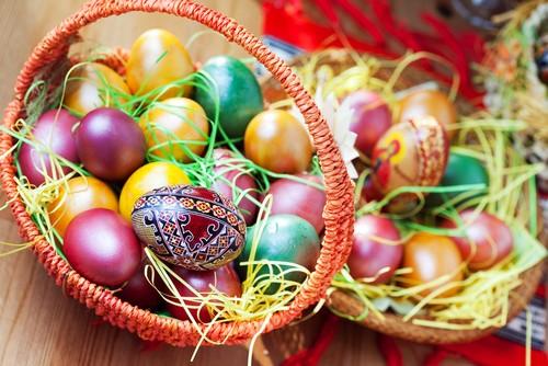 10 способов окраски яиц на Пасху