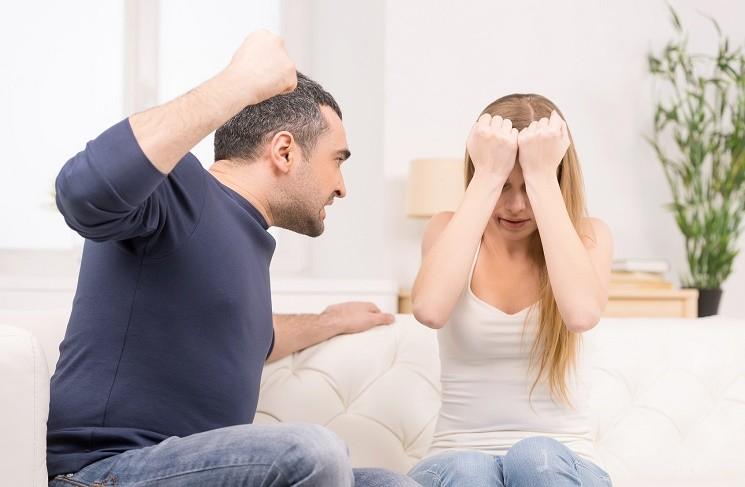 Отмена штрафа за совершение насилия в семье: за или против?