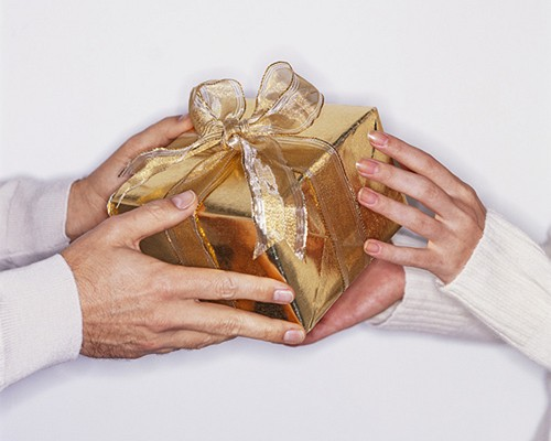 8 лучших подарков для любимой девушки