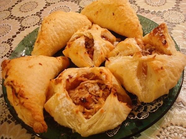 Рецепт слоек с яблочной и творожной начинкой – быстро и вкусно