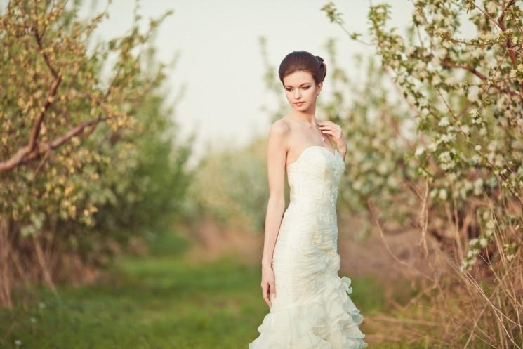 Весеннее платье невесты 2015