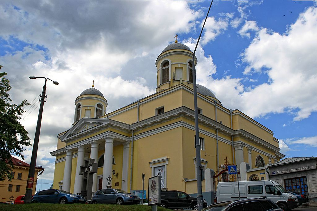 Лучшие места для свидания в Киеве Александровский костел