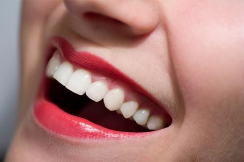 7 єффективных способов отбелить зубы в домашних условиях