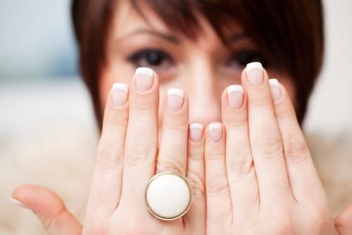 7 проблем со здоровьем, о которых расскажут ваши ногти