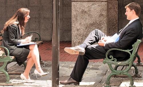 Разговор объединяет людей и их мозговую деятельность