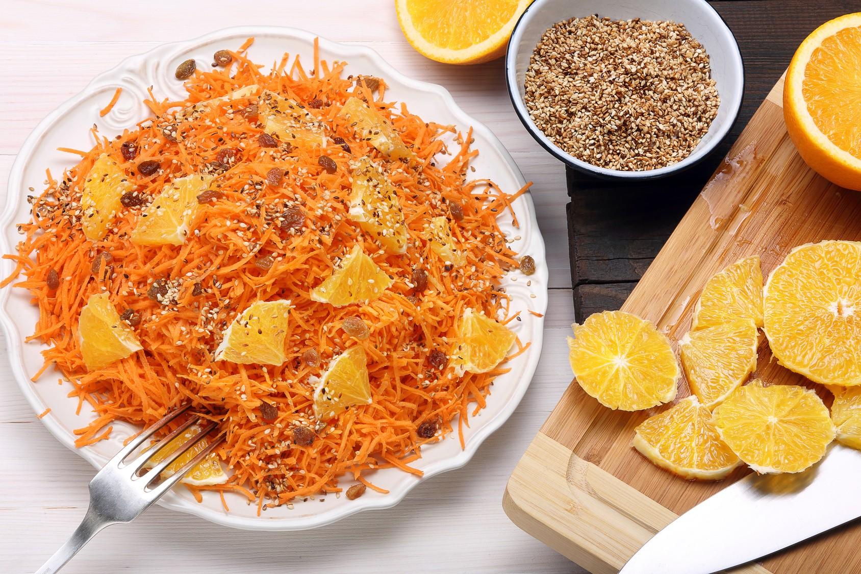 Салат из жареной моркови с апельсинами