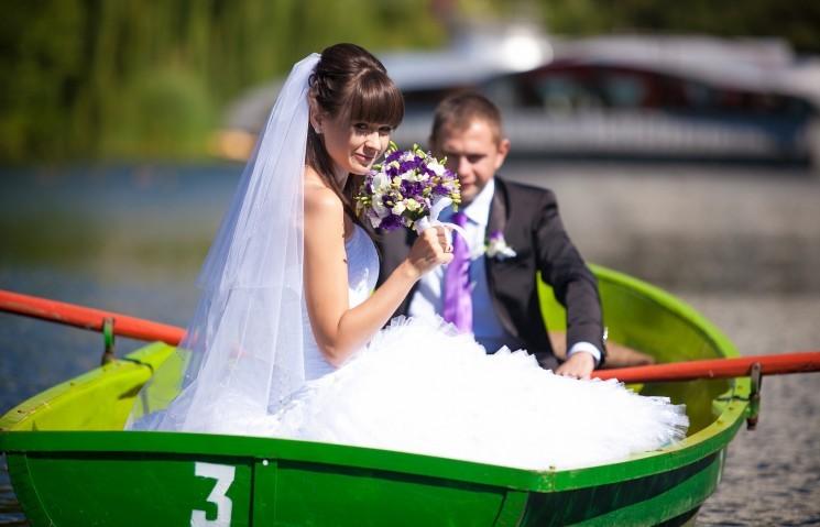 7 веселых идей для свадебного транспорта