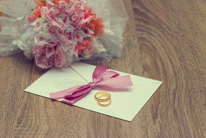 Разработайте дизайн свадебных приглашений самостоятельно