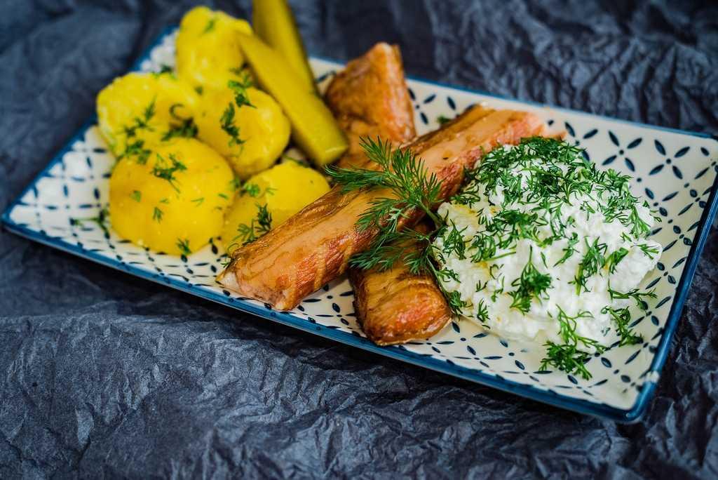 Рецепты свежих весенних салатов - Творожный салат с укропом