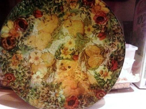 Обратный и прямой декупаж на пасхальной тарелке