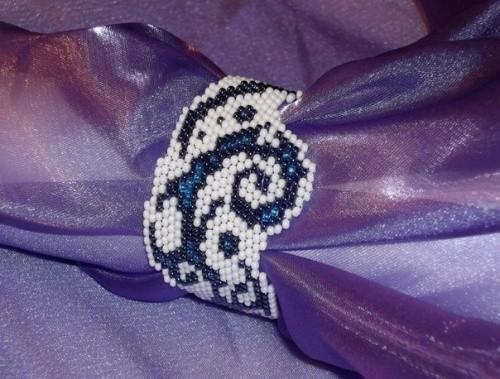 Браслет Тату-волны по технике бисерного плетения