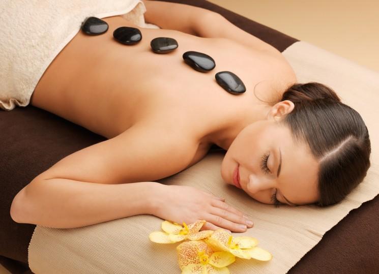 Стоун-терапия: массаж горячими камнями